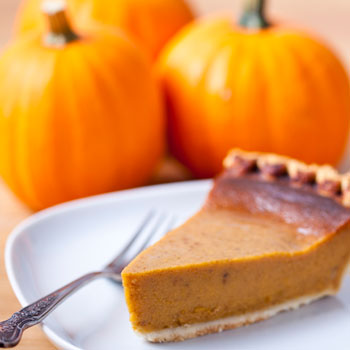 vegan-pumpkin-pie-with-coconut-whipped-cream-1